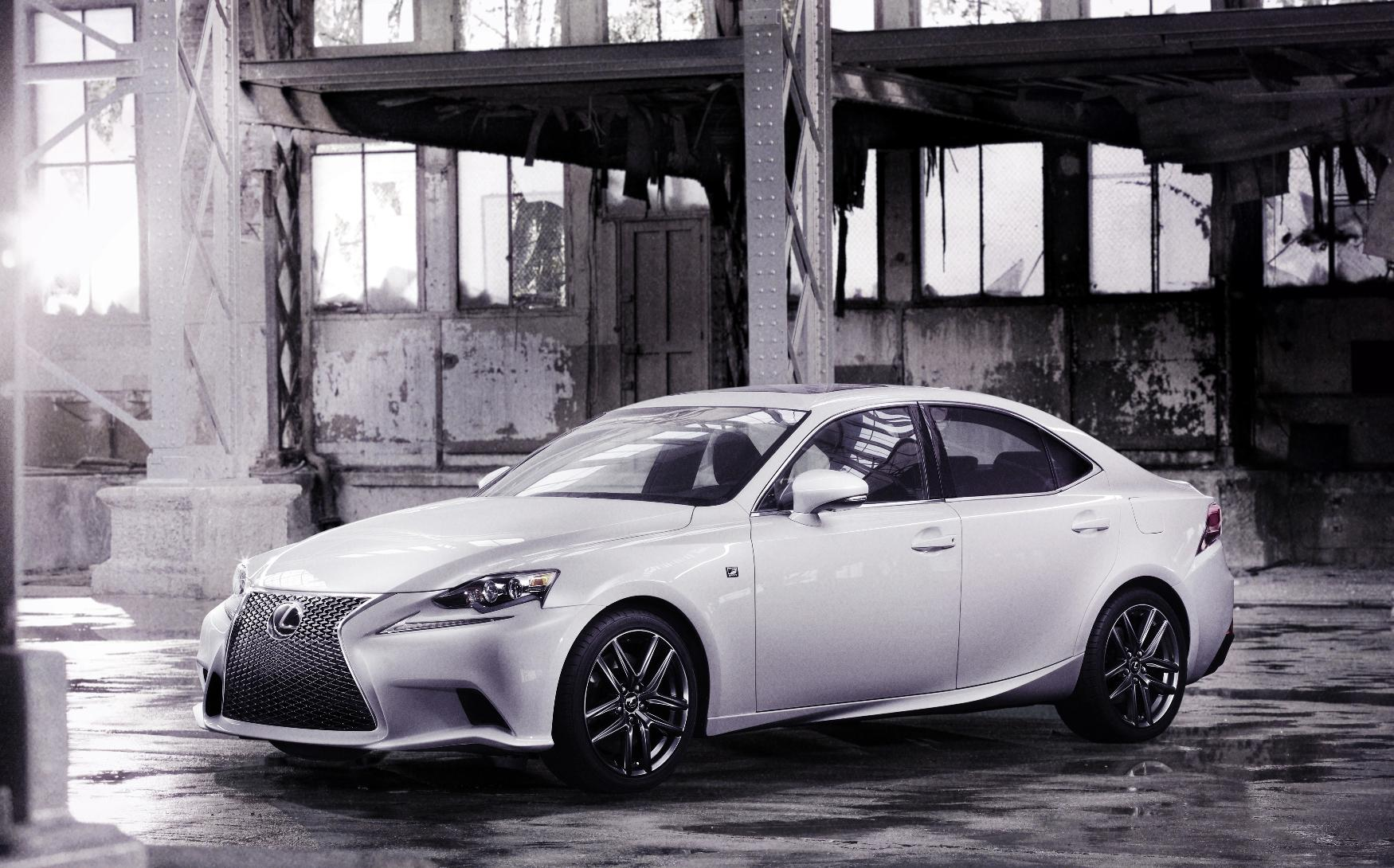 2013_Lexus_IS_F_Sport_1